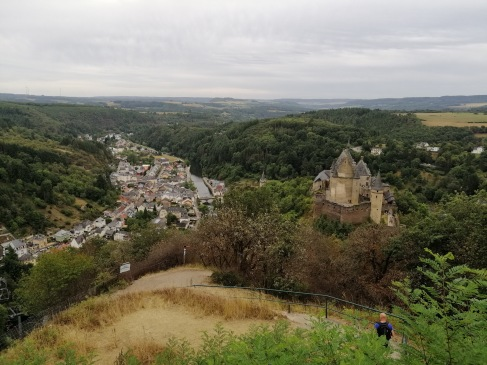 城をこの位置から見下ろす