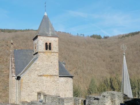 お城の礼拝堂、登るのたいへん